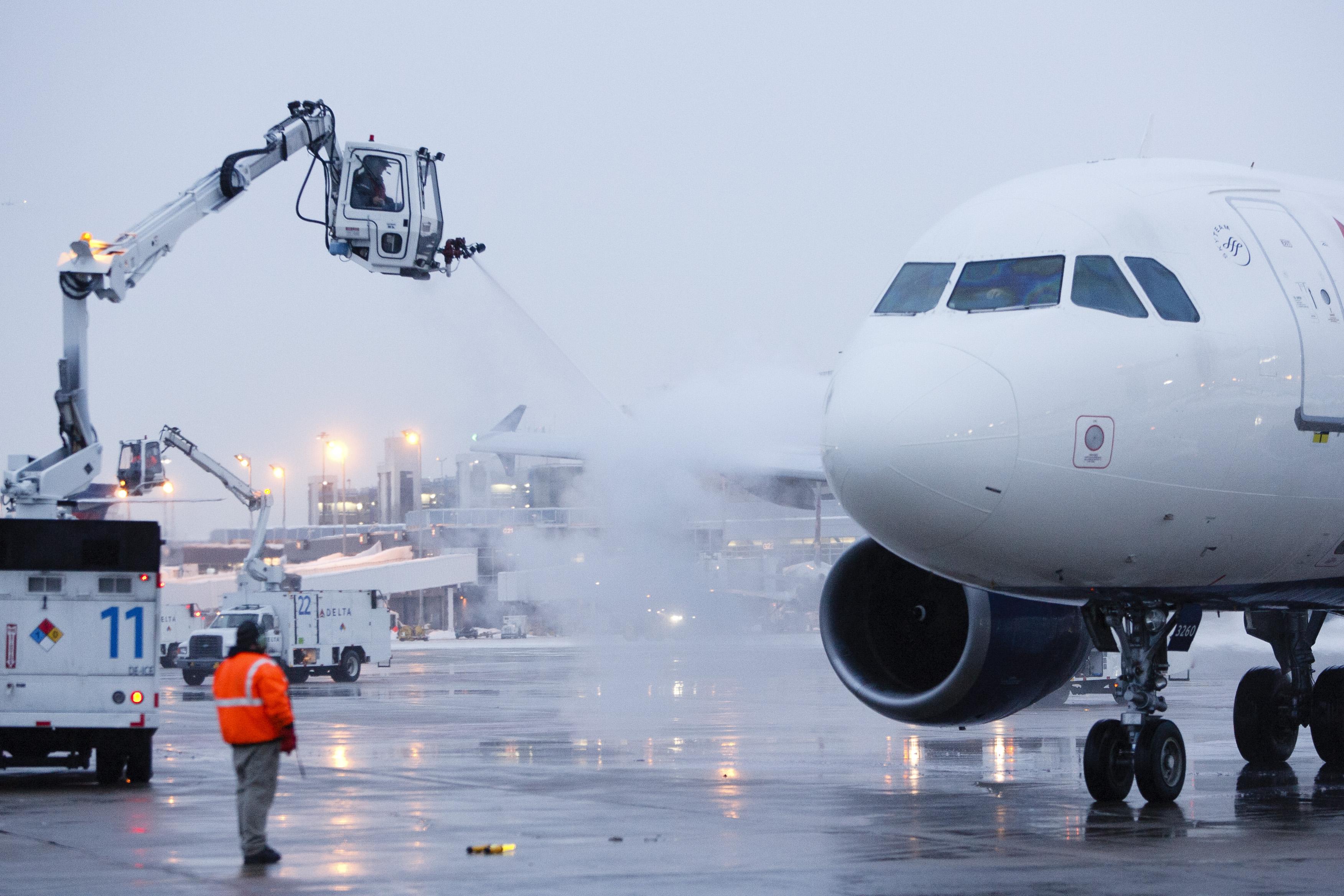 Deicing plane