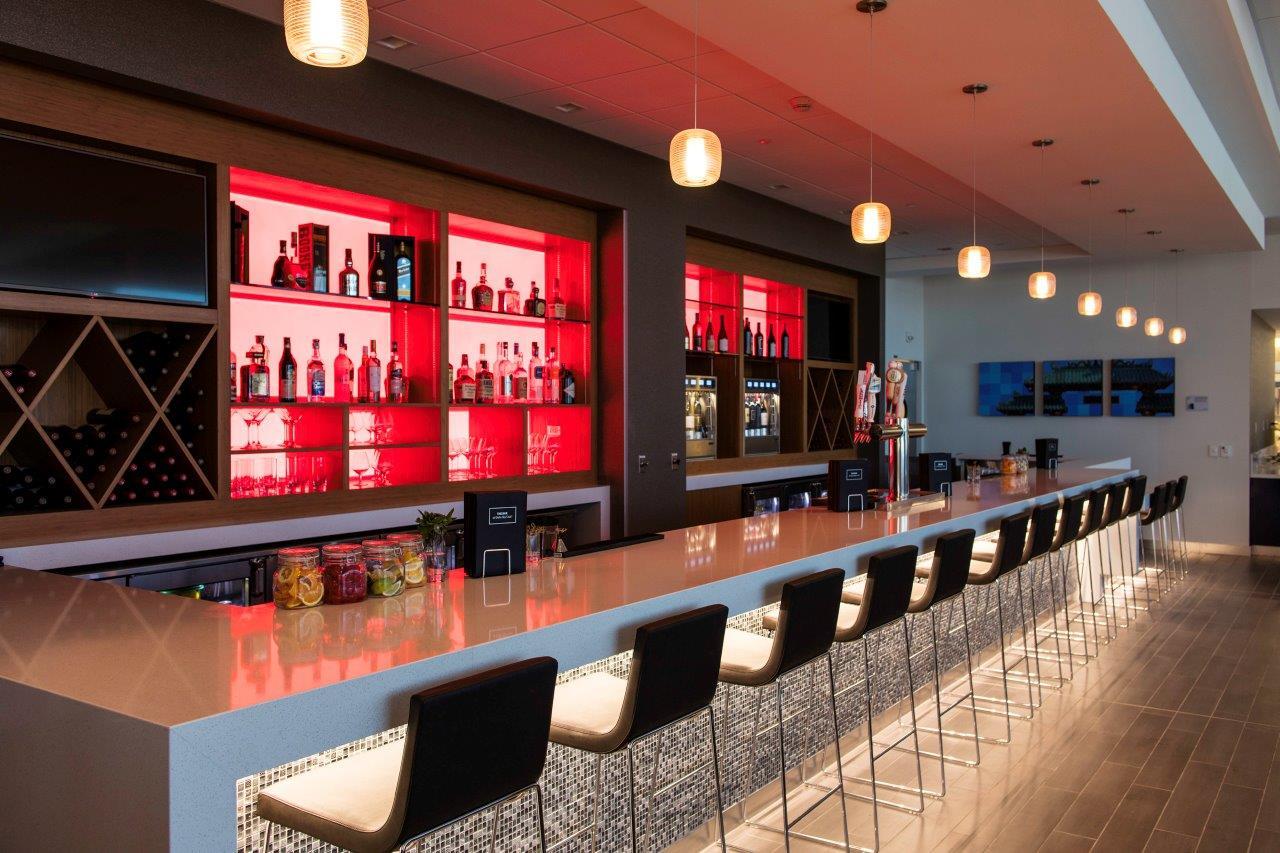 SFO Sky Club bar area