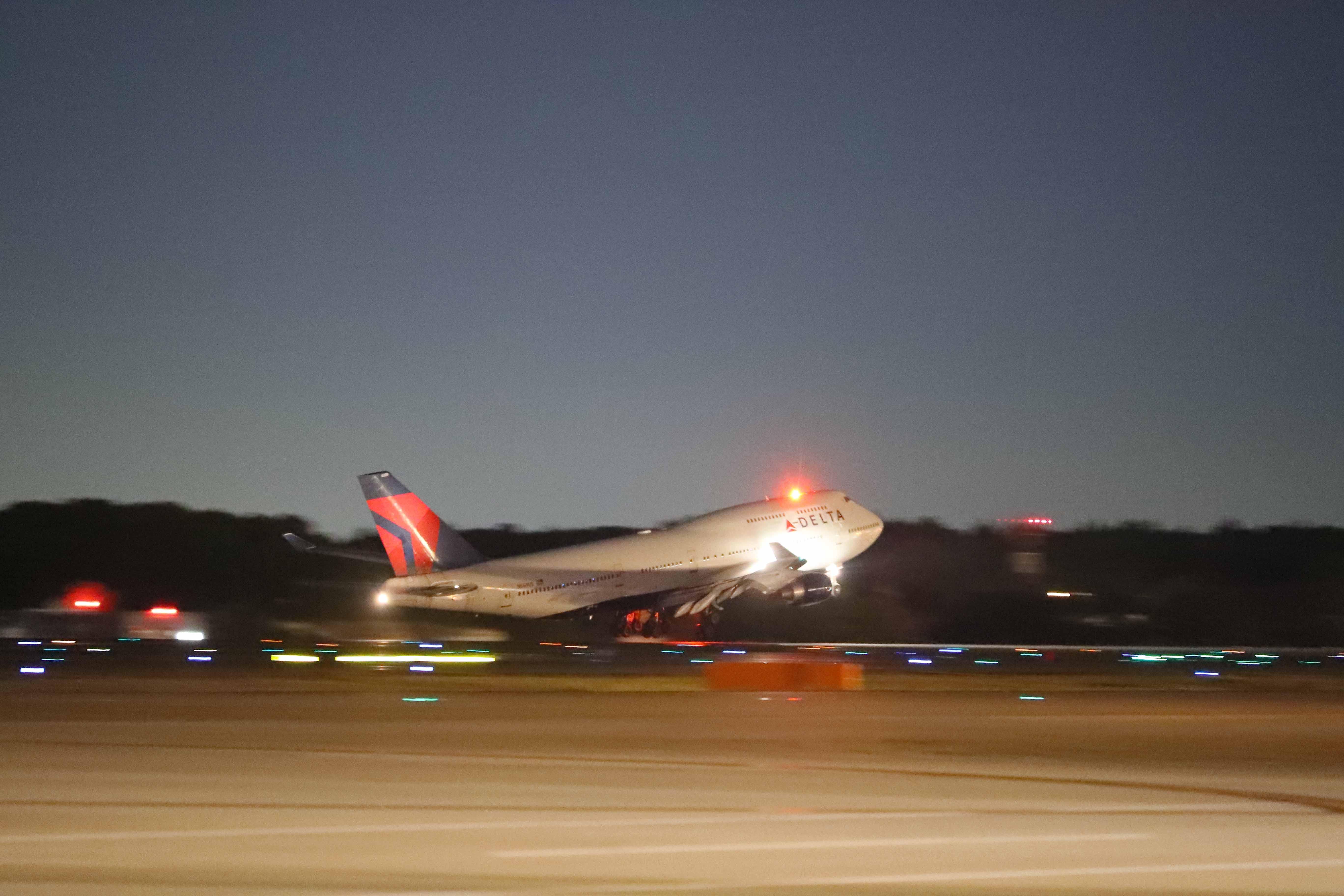 747-NRTDTW-takeoff.jpg