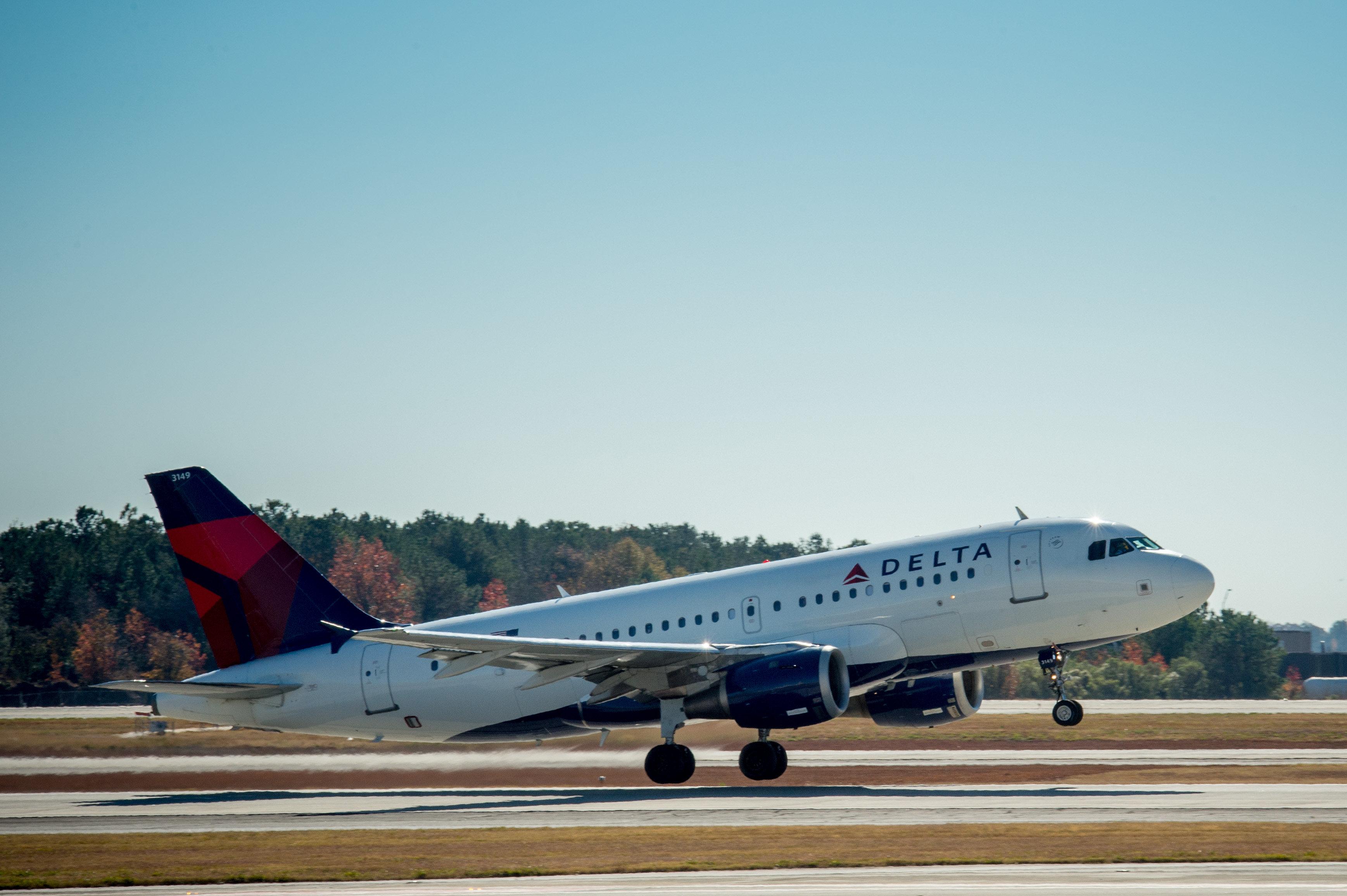 Flight 639 departs ATL for HAV