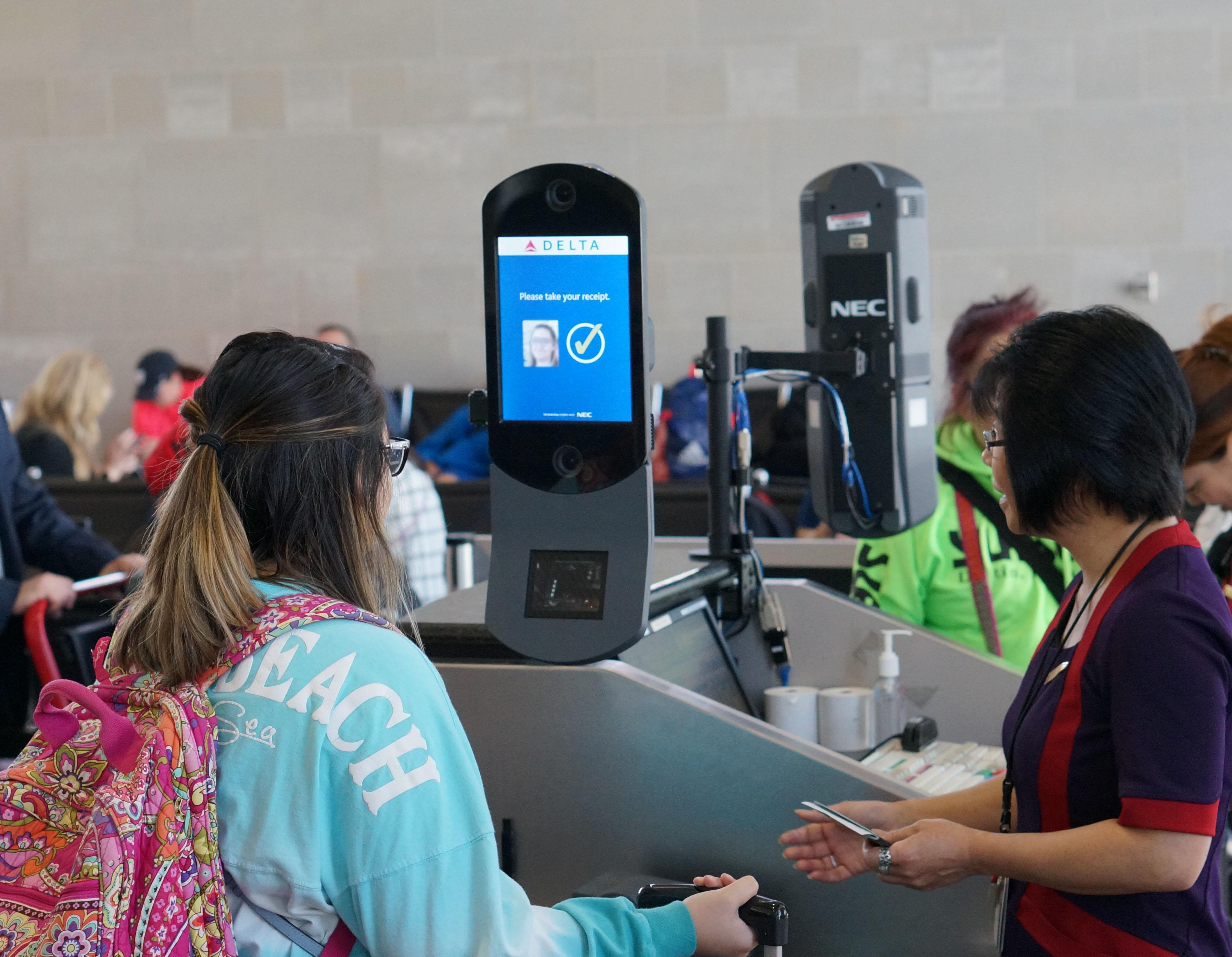 Kết quả hình ảnh cho Delta Using Facial Recognition Throughout ATL International Terminal images