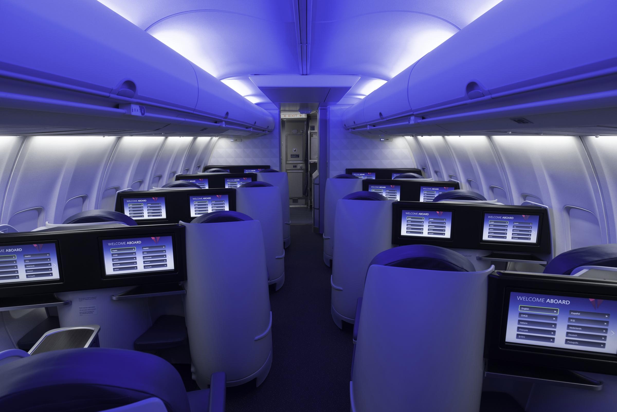 Delta One 757-200ER Cabin