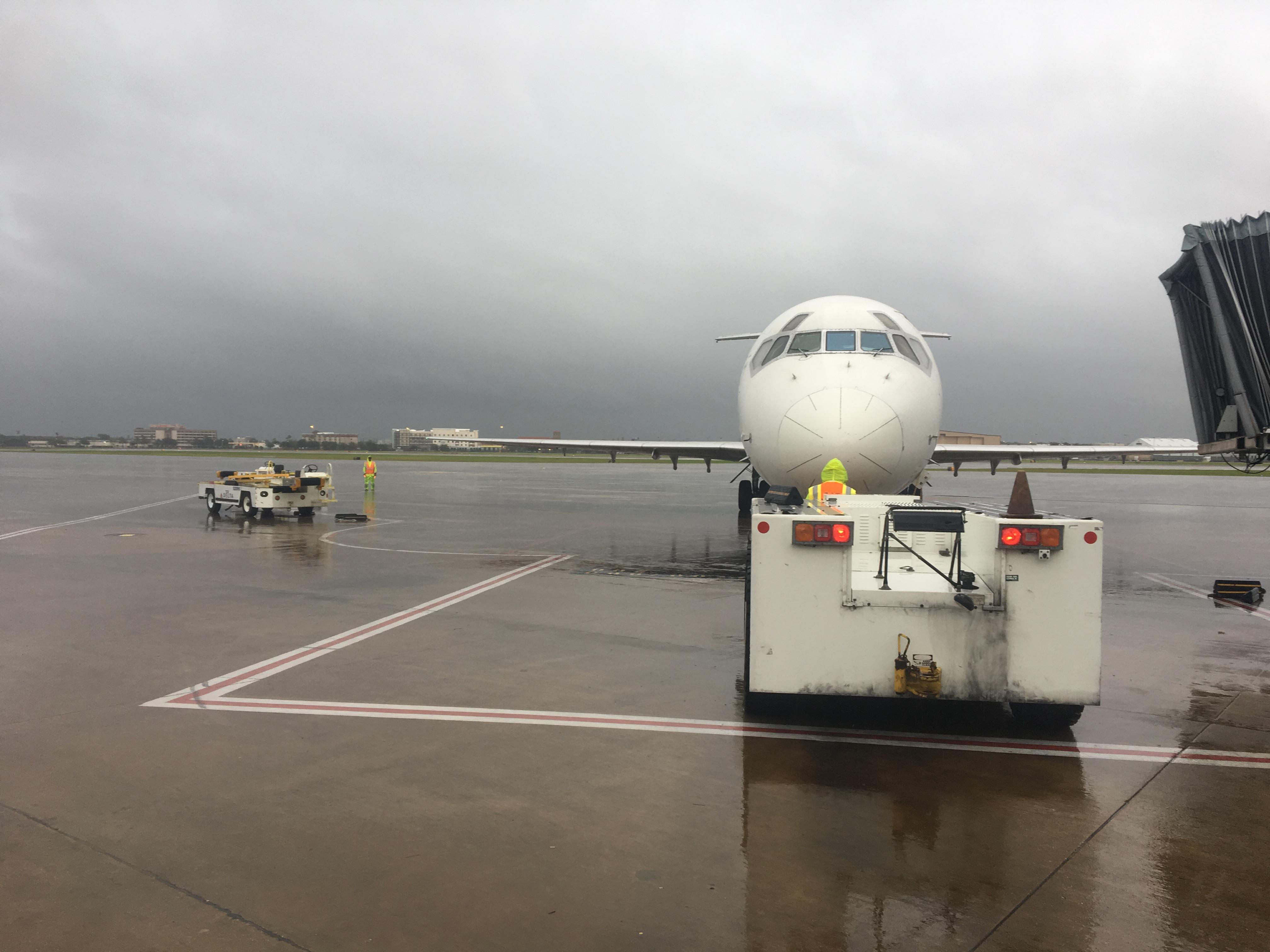 Houston employees continue serving customers despite heavy rainfall