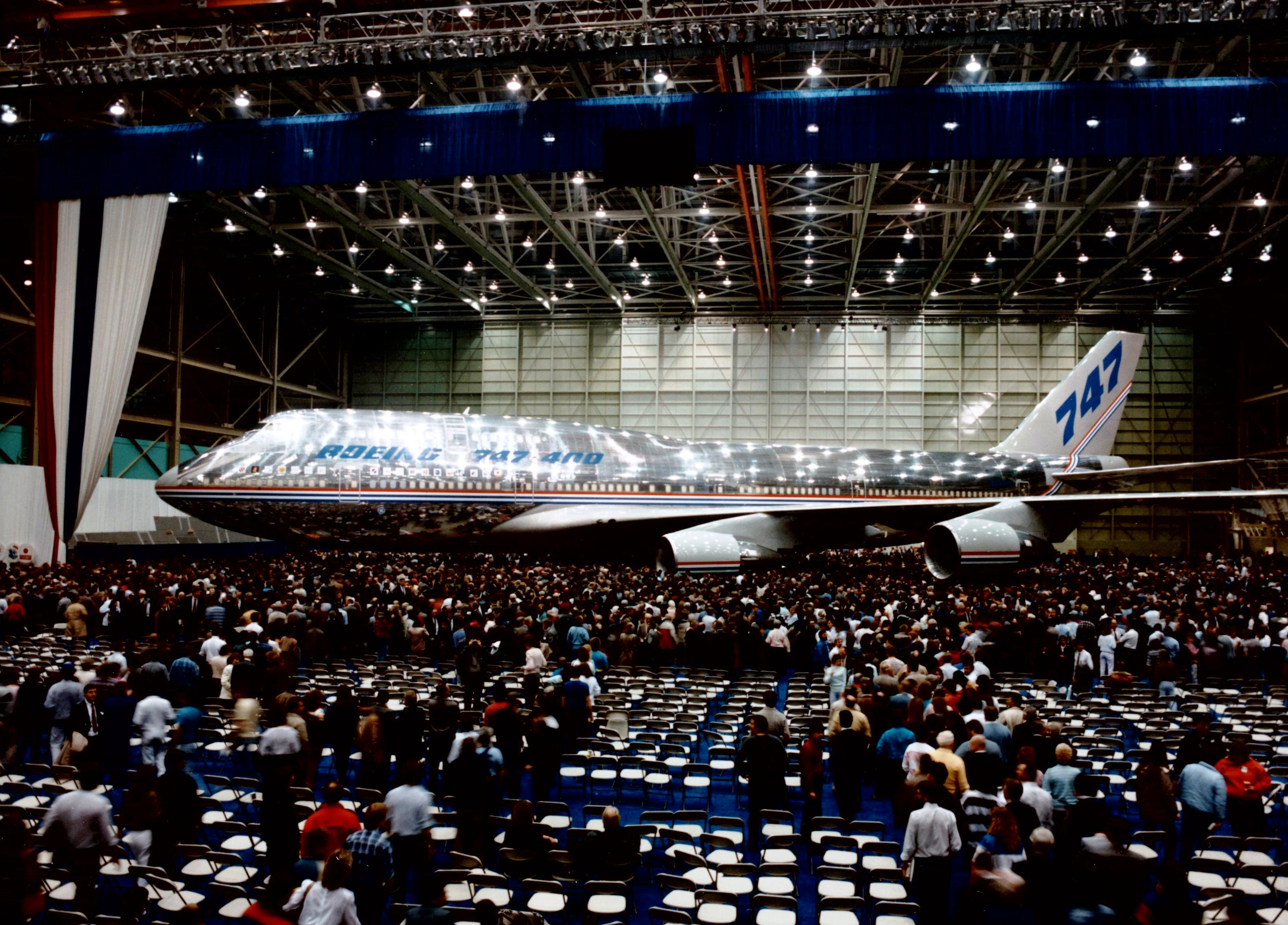 Boeing 747-400 Event with plane