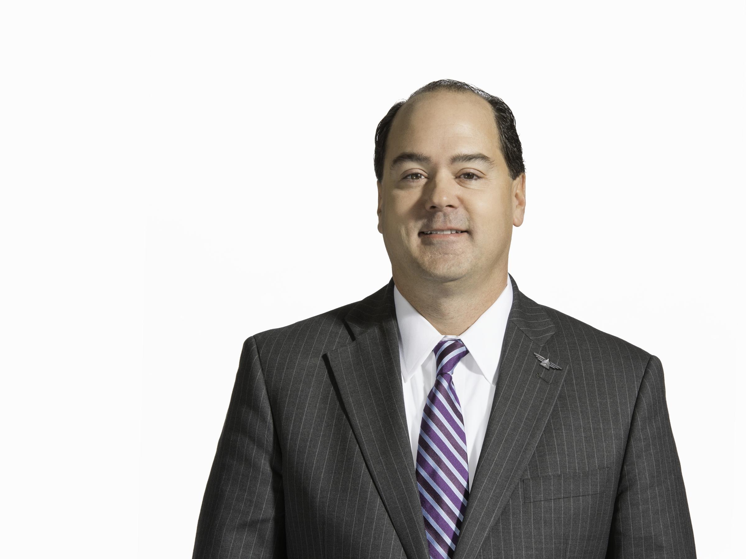 Mike Medeiros Executive Headshot