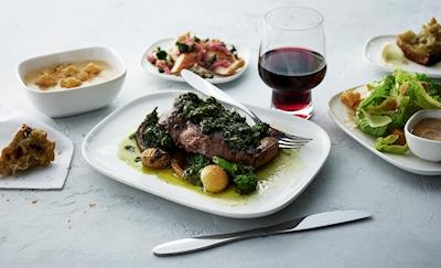 Tenderloin steak met knoflookpuree (Bron: Delta)