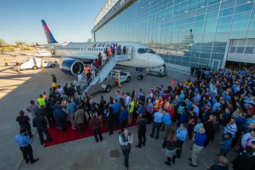 Employees tour new A220 in ATL.jpg