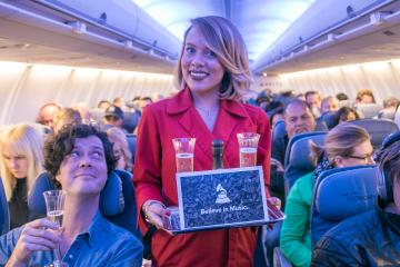 Delta celebrates first-time GRAMMY nominees with in-flight toast