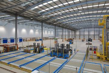 Inside the new Virgin Atlantic and Delta Cargo export facility at Heathrow.jpg