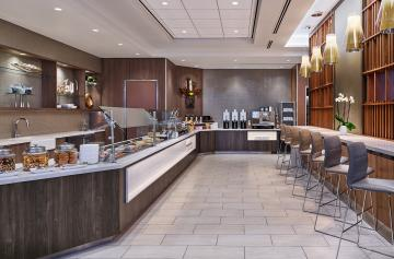delta-sky-club-phx-buffet