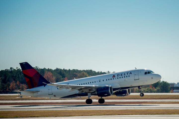 Flight 639 departs ATL for HAV