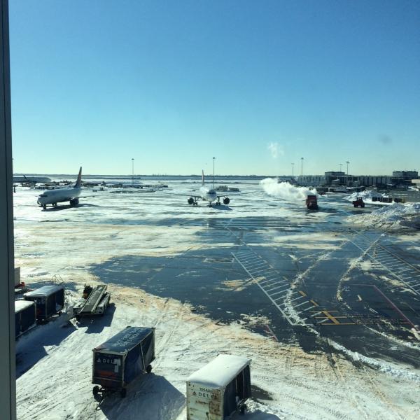 Winter storm cleanup New York-JFK 7